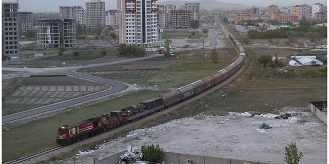 126 - TCDD yük treni
