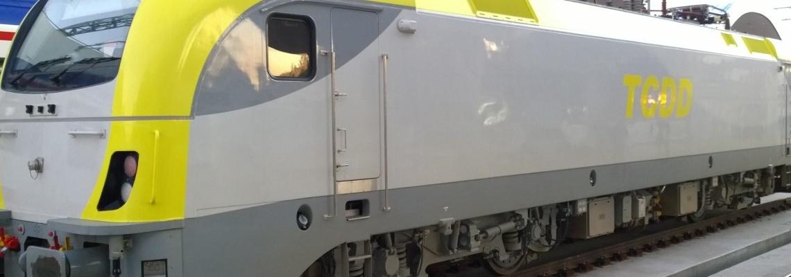 321 - TCDD E68000 loco - Jeff