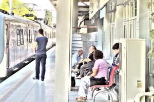 615 - Izban airport station - Steve